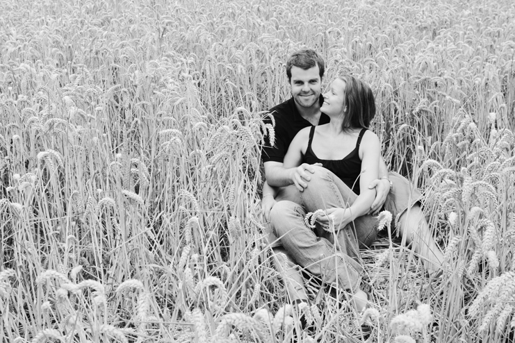 lucy & richard in corn field